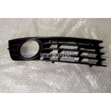 Решетка бампера передняя правая на                                                       Ауди А4 Б6