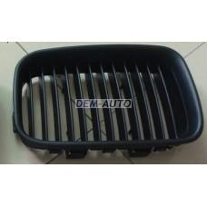 Решетка радиатора левая полностью черная на БМВ Е36