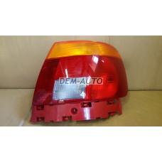 Audi a4  Фонарь задний внешний правый (СЕДАН) красно-желтый - Dem-Yug