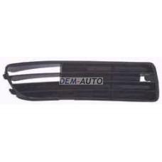 Решетка бампера передняя правая черная на                                                       Ауди А4 Б5