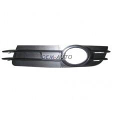 Решетка бампера передняя левая черная на                                                       Ауди А6 Ц6