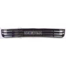 Решетка бампера передняя центральная черная на                                                       Ауди А6 Ц4