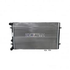 Радиатор охлаждения (см.каталог) на                                                       Ауди А3 8Л